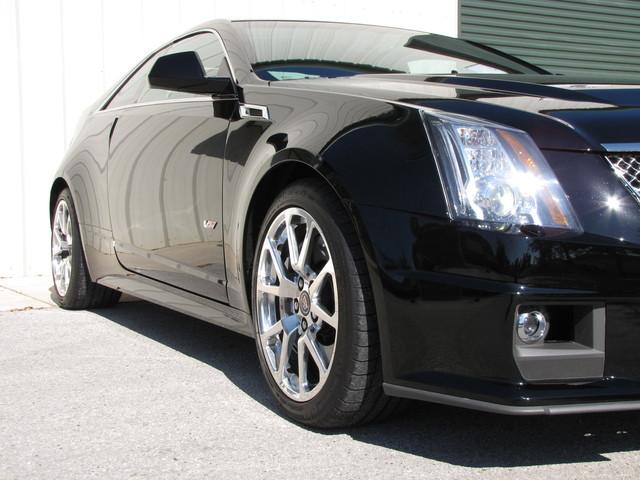 2011 Cadillac V-Series Jacksonville , FL 12
