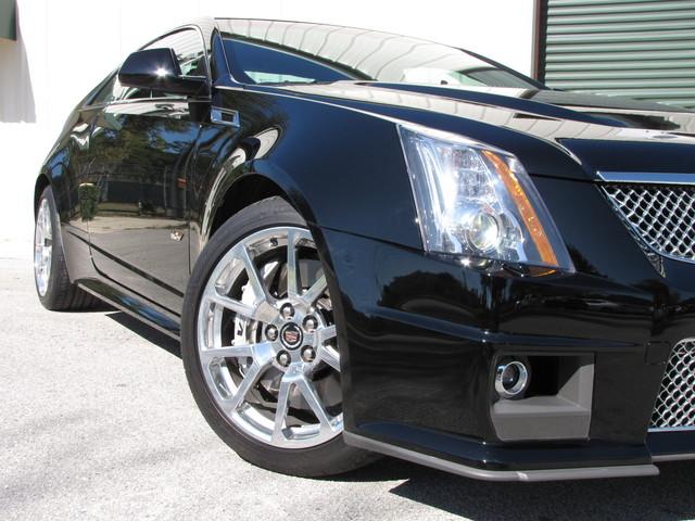 2011 Cadillac V-Series Jacksonville , FL 10