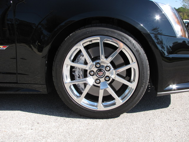 2011 Cadillac V-Series Jacksonville , FL 27