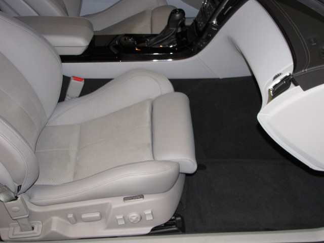 2011 Cadillac V-Series Jacksonville , FL 45