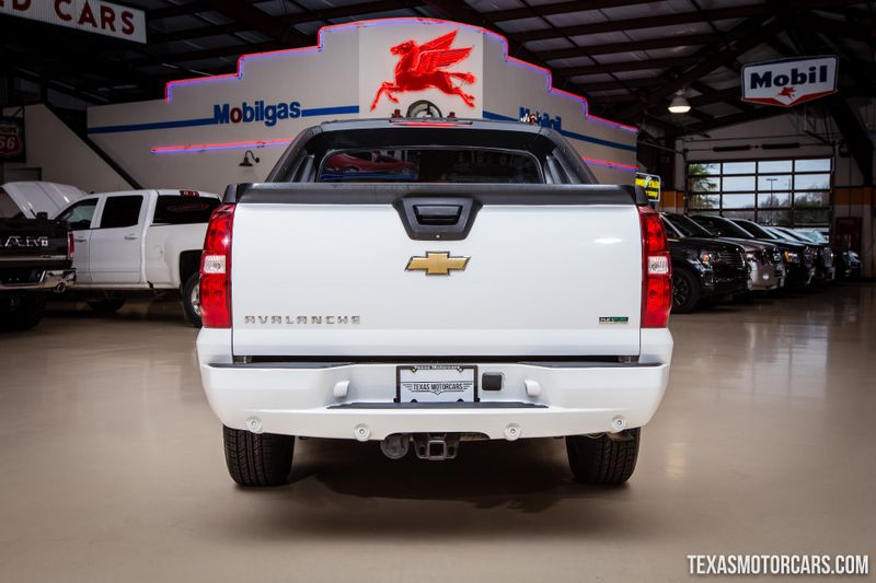 2011 Chevrolet Avalanche LT 4X4  in Addison, Texas