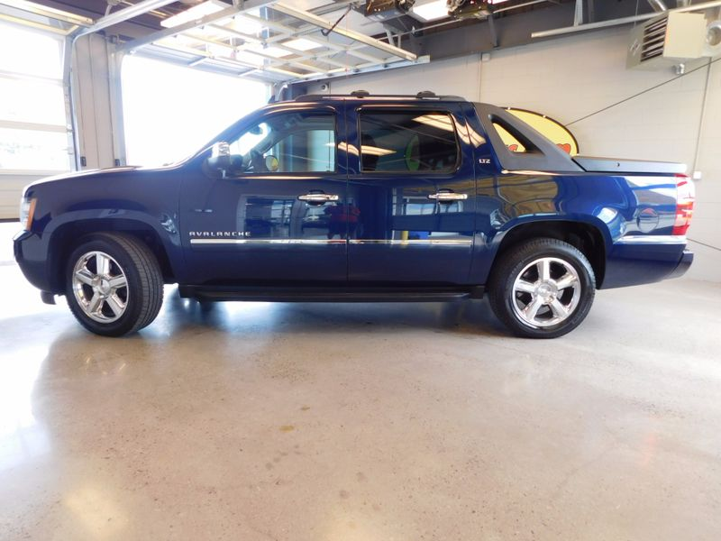 2011 Chevrolet Avalanche LTZ  city TN  Doug Justus Auto Center Inc  in Airport Motor Mile ( Metro Knoxville ), TN