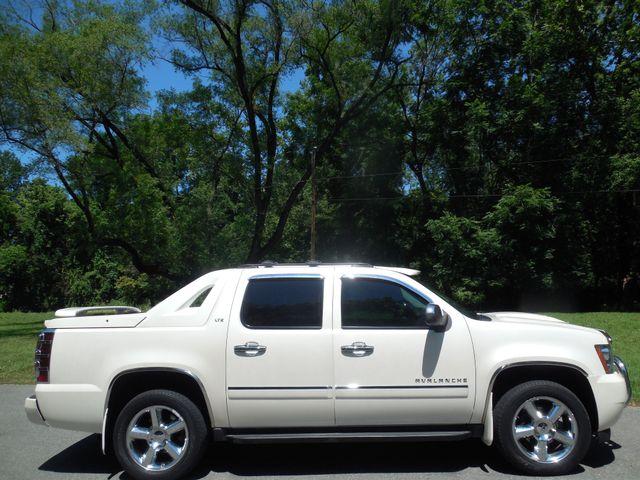 2011 Chevrolet Avalanche LTZ Leesburg, Virginia 4