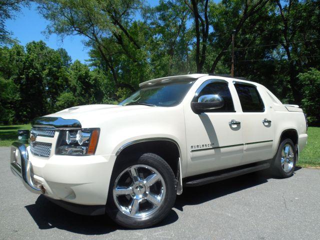 2011 Chevrolet Avalanche LTZ Leesburg, Virginia 1