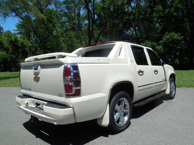 2011 Chevrolet Avalanche LTZ Leesburg, Virginia 2
