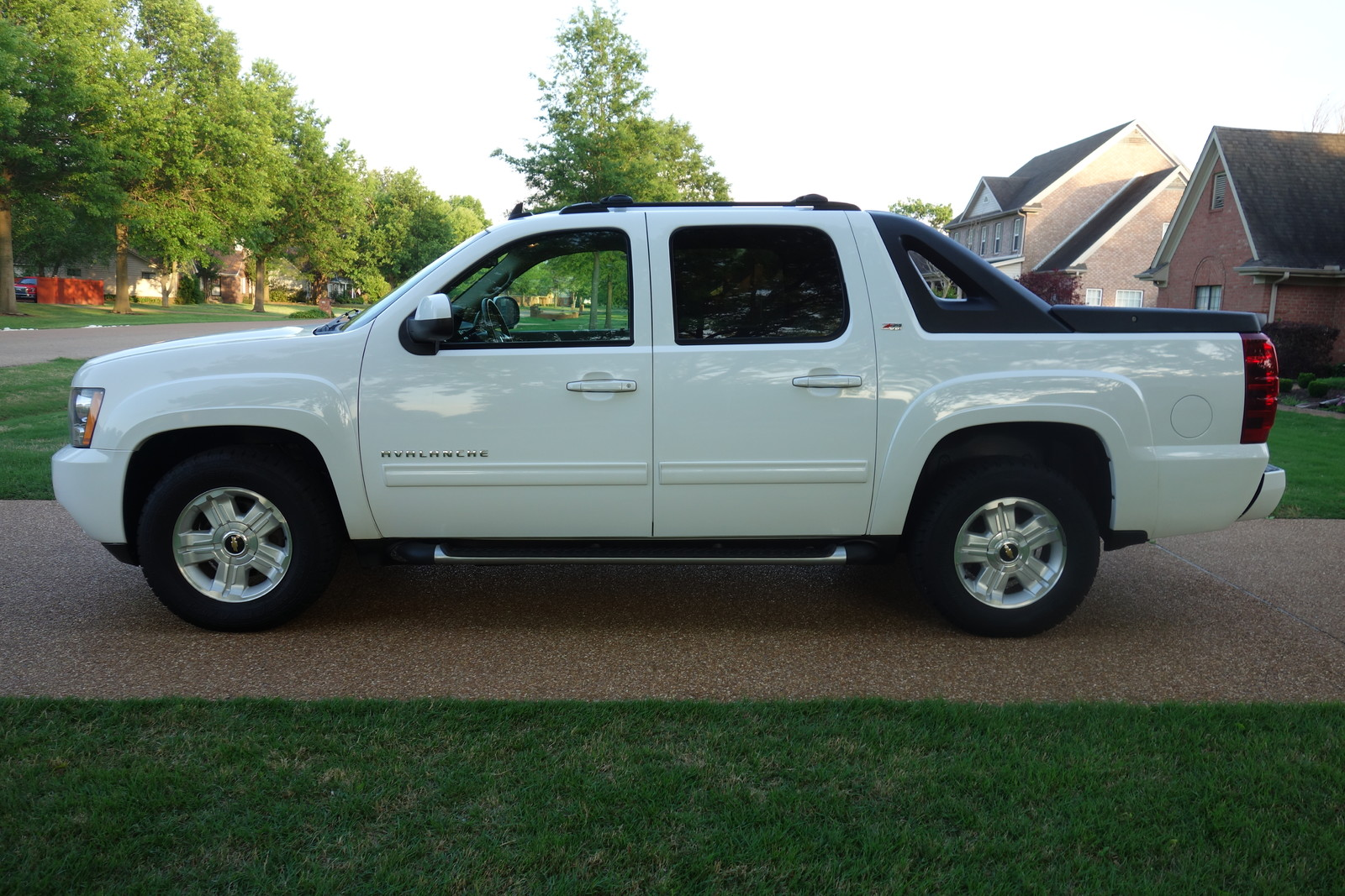 arkansas 1owner nonsmoker z71 4x4 rear camera heated seats perfect carfax used chevrolet. Black Bedroom Furniture Sets. Home Design Ideas