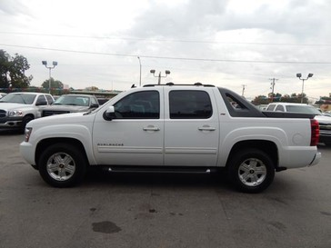 2011 Chevrolet Avalanche LT in