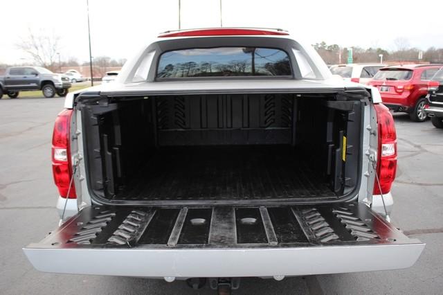 2011 Chevrolet Avalanche LTZ RWD - NAVIGATION - SUNROOF! Mooresville , NC 18