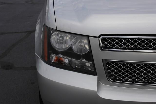 2011 Chevrolet Avalanche LTZ RWD - NAVIGATION - SUNROOF! Mooresville , NC 34