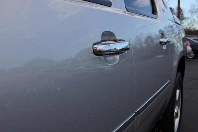 2011 Chevrolet Avalanche LTZ RWD - NAVIGATION - SUNROOF! Mooresville , NC 29