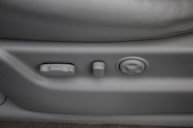 2011 Chevrolet Avalanche LTZ RWD - NAVIGATION - SUNROOF! Mooresville , NC 60
