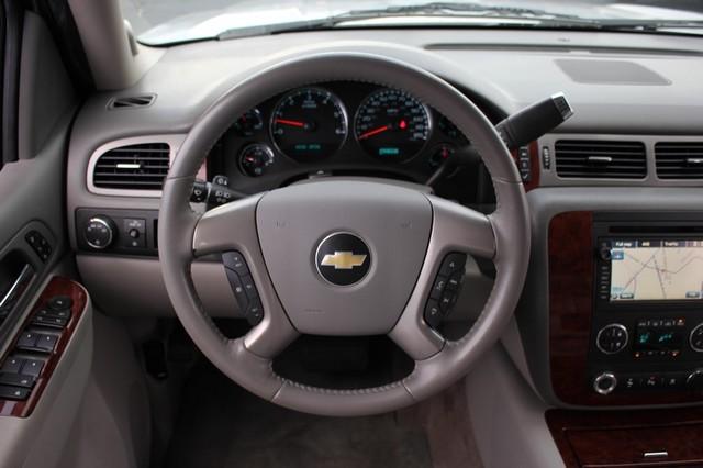 2011 Chevrolet Avalanche LTZ RWD - NAVIGATION - SUNROOF! Mooresville , NC 5