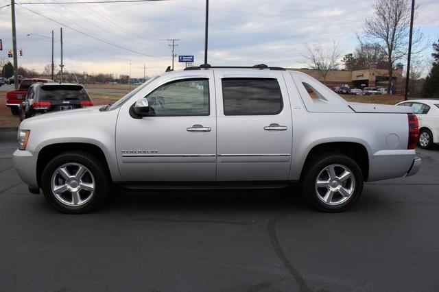 2011 Chevrolet Avalanche LTZ RWD - NAVIGATION - SUNROOF! Mooresville , NC 15