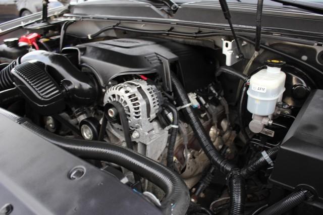 2011 Chevrolet Avalanche LTZ RWD - NAVIGATION - SUNROOF! Mooresville , NC 76