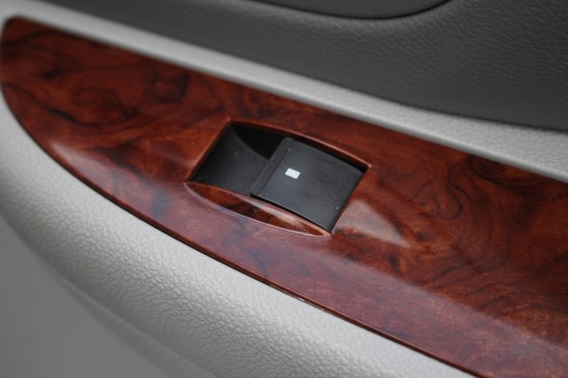 2011 Chevrolet Avalanche LTZ RWD - NAVIGATION - SUNROOF! Mooresville , NC 74