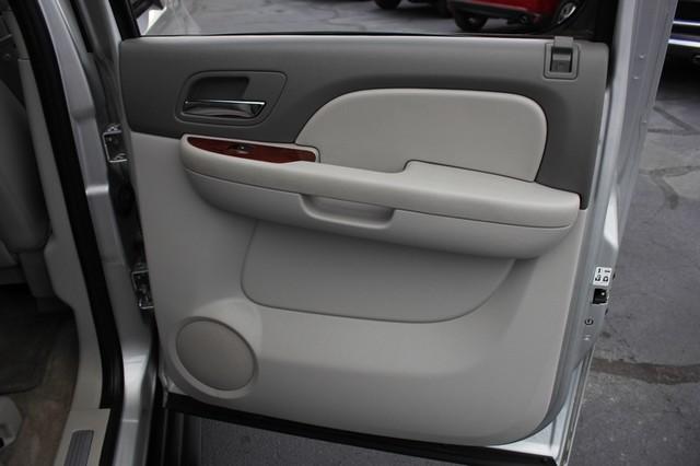 2011 Chevrolet Avalanche LTZ RWD - NAVIGATION - SUNROOF! Mooresville , NC 73