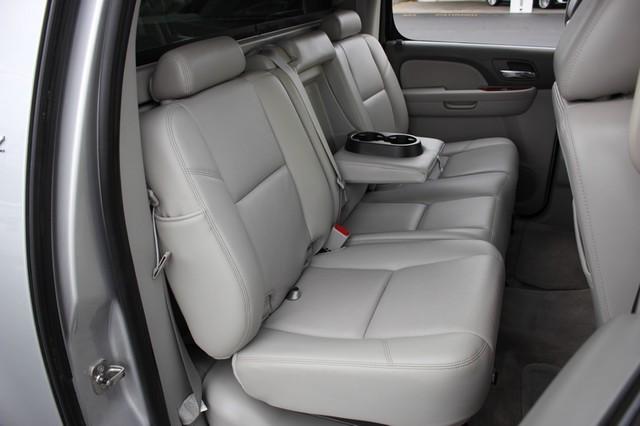 2011 Chevrolet Avalanche LTZ RWD - NAVIGATION - SUNROOF! Mooresville , NC 12