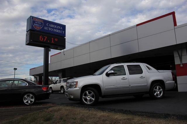 2011 Chevrolet Avalanche LTZ RWD - NAVIGATION - SUNROOF! Mooresville , NC 39