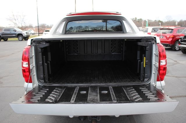 2011 Chevrolet Avalanche LTZ RWD - NAVIGATION - SUNROOF! Mooresville , NC 19