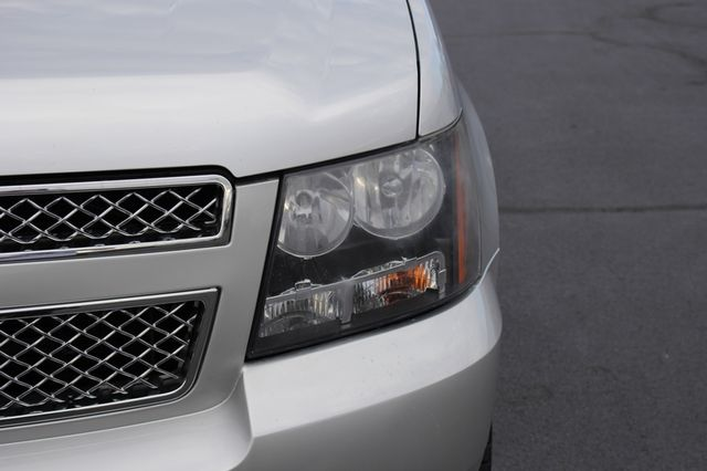 2011 Chevrolet Avalanche LTZ RWD - NAVIGATION - SUNROOF! Mooresville , NC 35