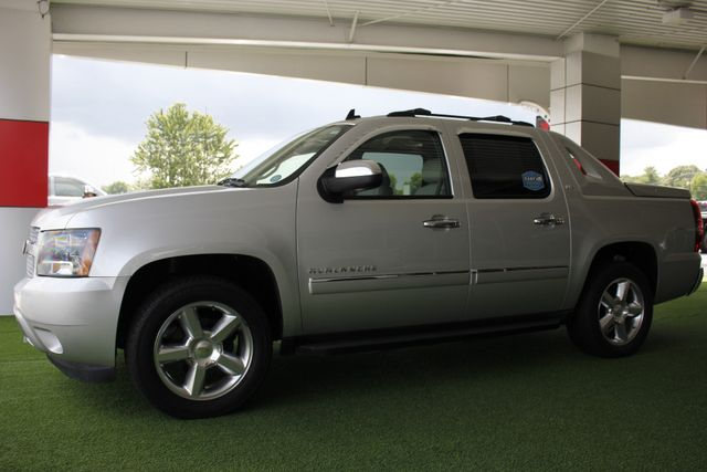 2011 Chevrolet Avalanche LTZ RWD - NAVIGATION - SUNROOF! Mooresville , NC 24