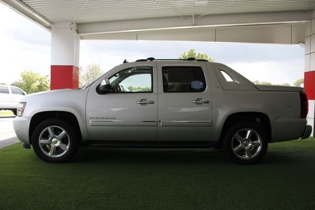 2011 Chevrolet Avalanche LTZ RWD - NAVIGATION - SUNROOF! Mooresville , NC 16