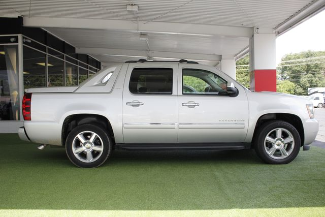 2011 Chevrolet Avalanche LTZ RWD - NAVIGATION - SUNROOF! Mooresville , NC 15