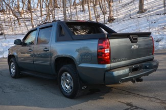 2011 Chevrolet Avalanche Naugatuck, Connecticut 2
