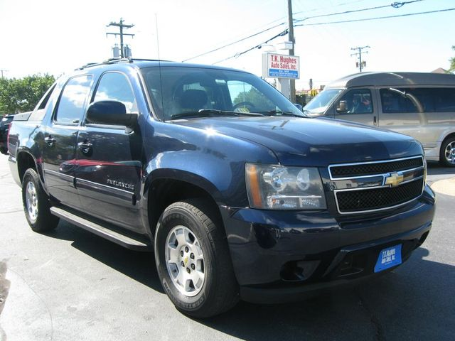 2011 Chevrolet Avalanche LS 4X4 Richmond, Virginia 3
