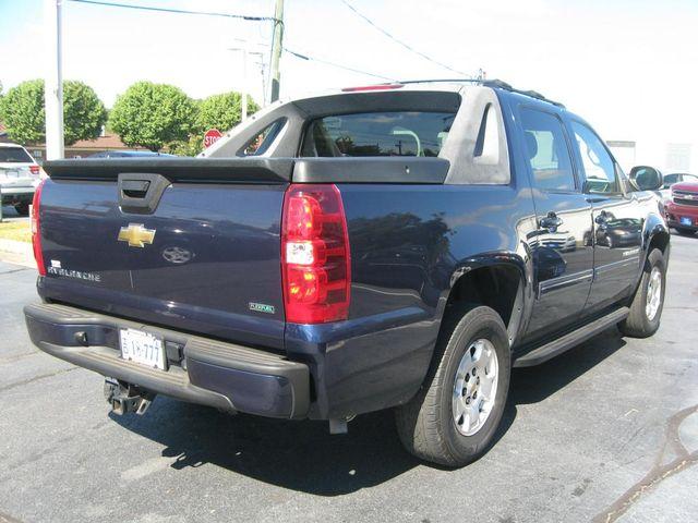 2011 Chevrolet Avalanche LS 4X4 Richmond, Virginia 5