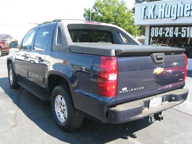 2011 Chevrolet Avalanche LS 4X4 Richmond, Virginia 7