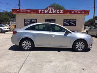 2011 Chevrolet Cruze LS Devine, Texas