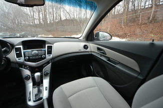 2011 Chevrolet Cruze LT Naugatuck, Connecticut 12