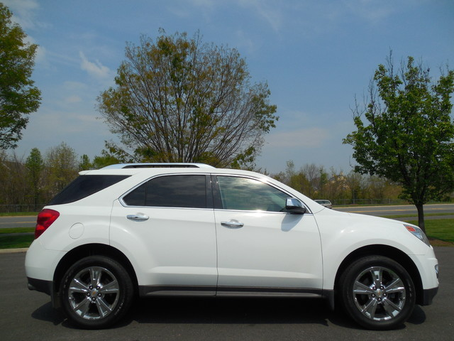 2011 Chevrolet Equinox LTZ Leesburg, Virginia 4