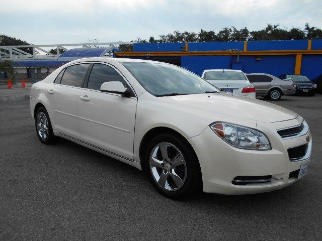 2011 Chevrolet Malibu LT w2LT Limited warranty included to assure your worry-free purchase AutoC
