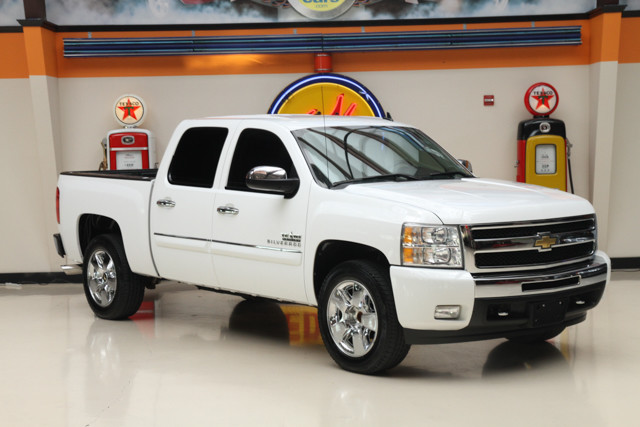 2011 Chevrolet Silverado 1500 LT Financing is available with rates as low as 29 wac Get pre-ap