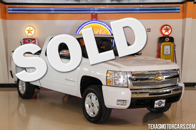 2011 Chevrolet Silverado 1500 LT This Carfax 1-Owner accident-free 2011 Chevrolet Silverado 1500