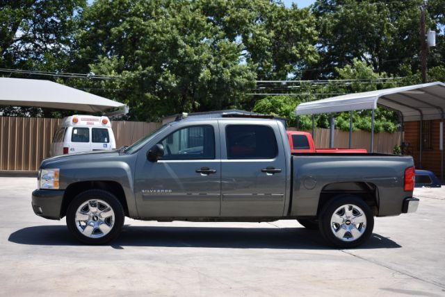 2011 Chevrolet Silverado 1500 LT San Antonio , Texas 3