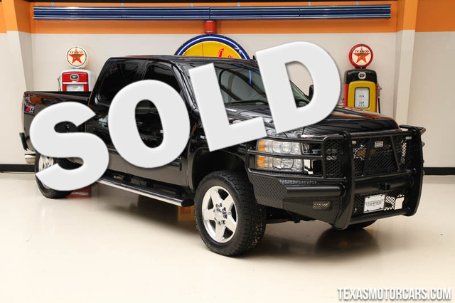 2011 Chevrolet Silverado 2500HD LTZ This 2011 Chevrolet Silverado 2500HD is in great shape with on