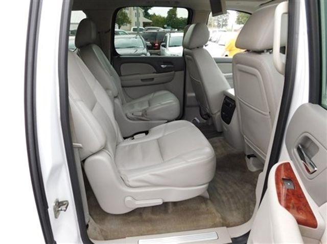 2011 Chevrolet Suburban LTZ Ephrata, PA 23