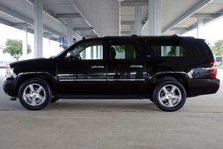 2011 Chevrolet Suburban LTZ * 1-OWNER * Sunroof * NAVI * A/C Seats * BOSE Plano, Texas 3