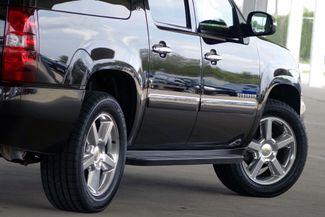 2011 Chevrolet Suburban LTZ * 1-OWNER * Sunroof * NAVI * A/C Seats * BOSE Plano, Texas 24