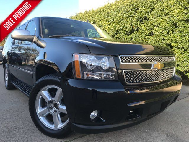 2011 Chevrolet Suburban LTZ 4WD w/Navigation, Sunroof, and Entertainment Plano, Texas 0