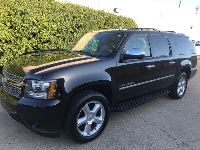 2011 Chevrolet Suburban LTZ 4WD w/Navigation, Sunroof, and Entertainment Plano, Texas 6