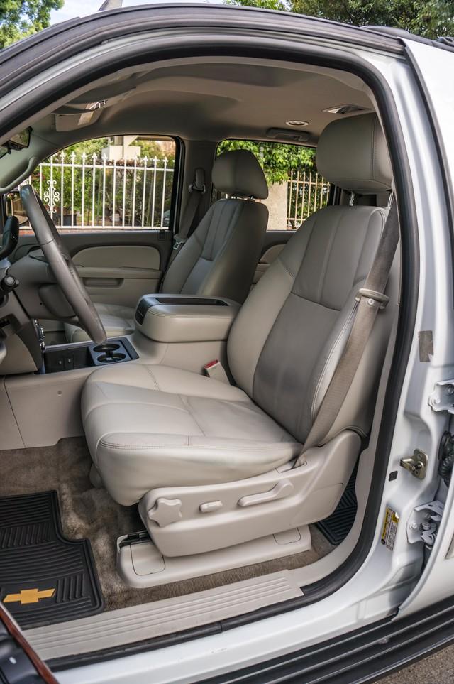 2011 Chevrolet Suburban LT - LTHR - 113K MILES - 3RD ROW - TOW PKG Reseda, CA 20