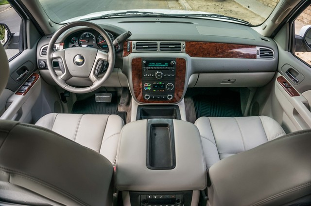 2011 Chevrolet Suburban LT - LTHR - 113K MILES - 3RD ROW - TOW PKG Reseda, CA 15