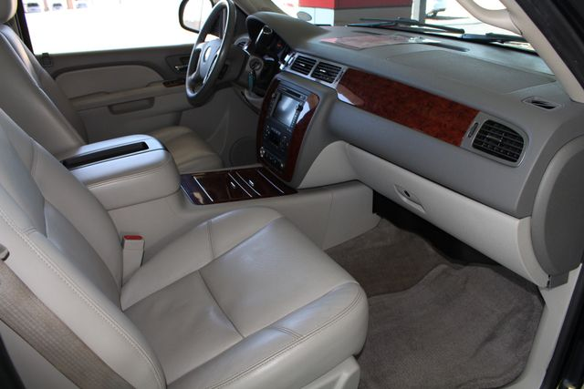2011 Chevrolet Tahoe LTZ 4X4 - NAVIGATION - REAR DVD - SUNROOF! Mooresville , NC 33
