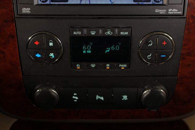 2011 Chevrolet Tahoe LTZ 4X4 - NAVIGATION - REAR DVD - SUNROOF! Mooresville , NC 36