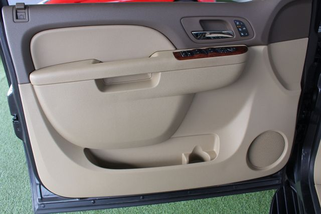 2011 Chevrolet Tahoe LTZ 4X4 - NAVIGATION - REAR DVD - SUNROOF! Mooresville , NC 42