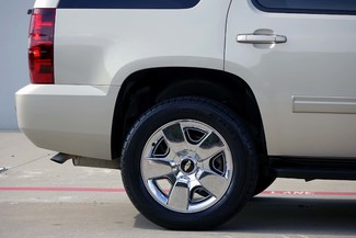 2011 Chevrolet Tahoe LT * 1-OWNER * 20's * Pwr Gate * HTD SEATS * QUADS Plano, Texas 26